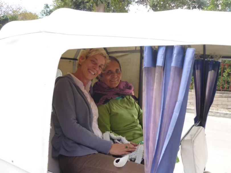 Karen and Doña Evelia visiting the elders in Santo Domingo Tonalá
