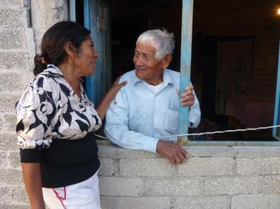 Don Gonzalo with a member of the Proyecto Raices team