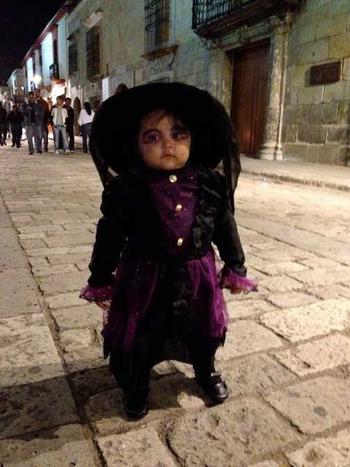 A mini Catrina out in the cobbled streets